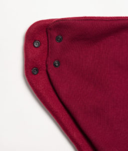 windbreaker_red_ruby_detail1