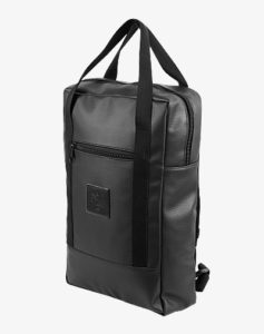 Black_Out_DayPack_ANGLE-R-507px