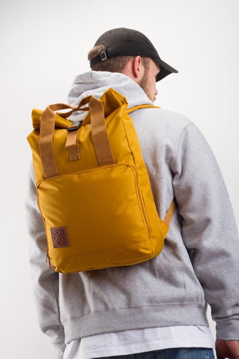 a0bc176a5113d Startseite   Shop   Rucksäcke   Backpacks   Roll-Top Daypack (Mustard)