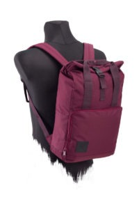 Vino_RollTop_DayPack-ANGLE-R-AMA