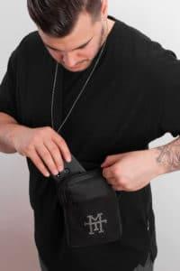 Pocket Pusher Bag Black Out Schwarz Brustbeutel Brusttasche Beltbag Bumbag wasserabweisend