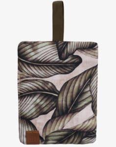 Palm_Leaf_Tobacco_Bag-CE-OPENFRONT-507px